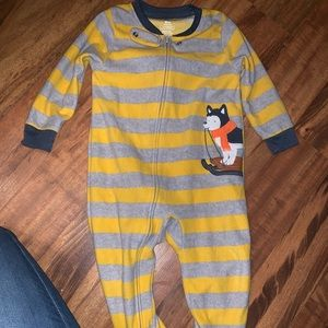 Carter's One Pieces - 2 pairs of boys footie pajamas 18 months